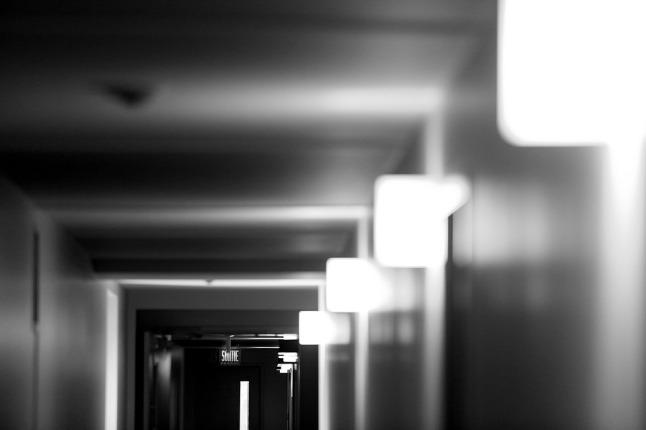 corridor-406814_960_720